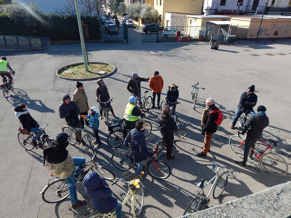 La biciclettata di Riversibility presso l'Anfiteatro di Santa Lucia.