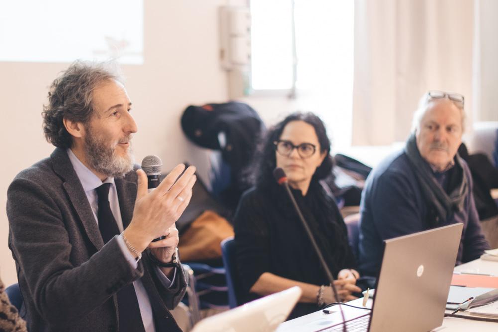 Daniele Mirani di Simurg Ricerche introduce i lavori della giornata.