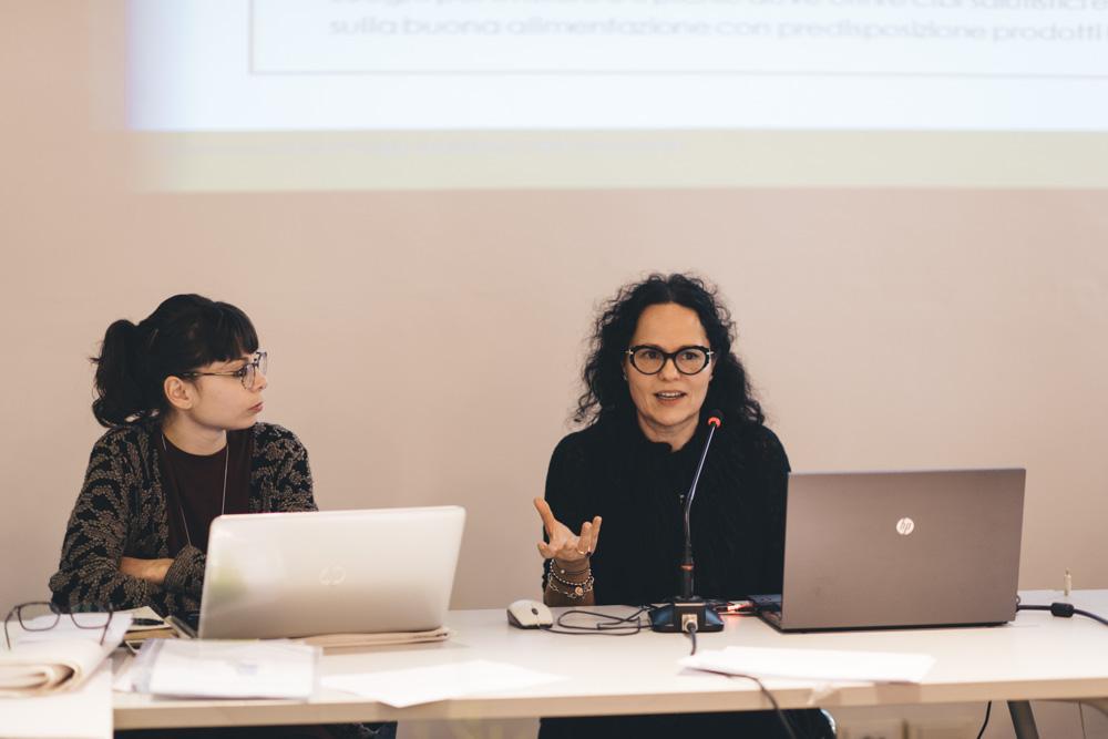 La dott.ssa Lucia Carollo di USL Toscana Centro interviene sul tema della salute pubblica.