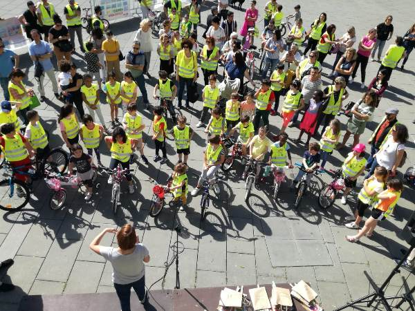 Tutti i pedibus di Prato che hanno partecipato alla Festa della Mobilità che si è svolta lo scorso 1 giugno 2019